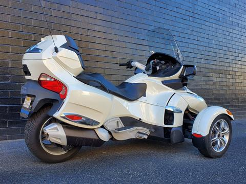 2011 Can-Am Spyder® RT Limited in San Jose, California - Photo 2