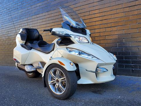 2011 Can-Am Spyder® RT Limited in San Jose, California - Photo 3