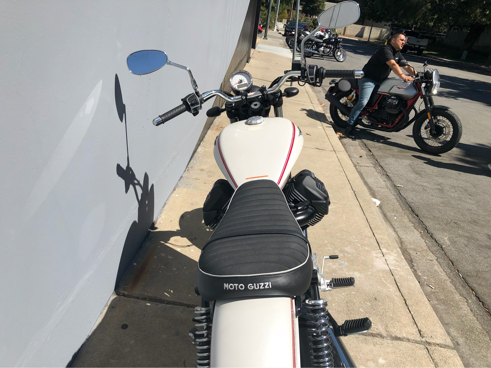 2017 Moto Guzzi V9 Roamer in San Jose, California - Photo 10