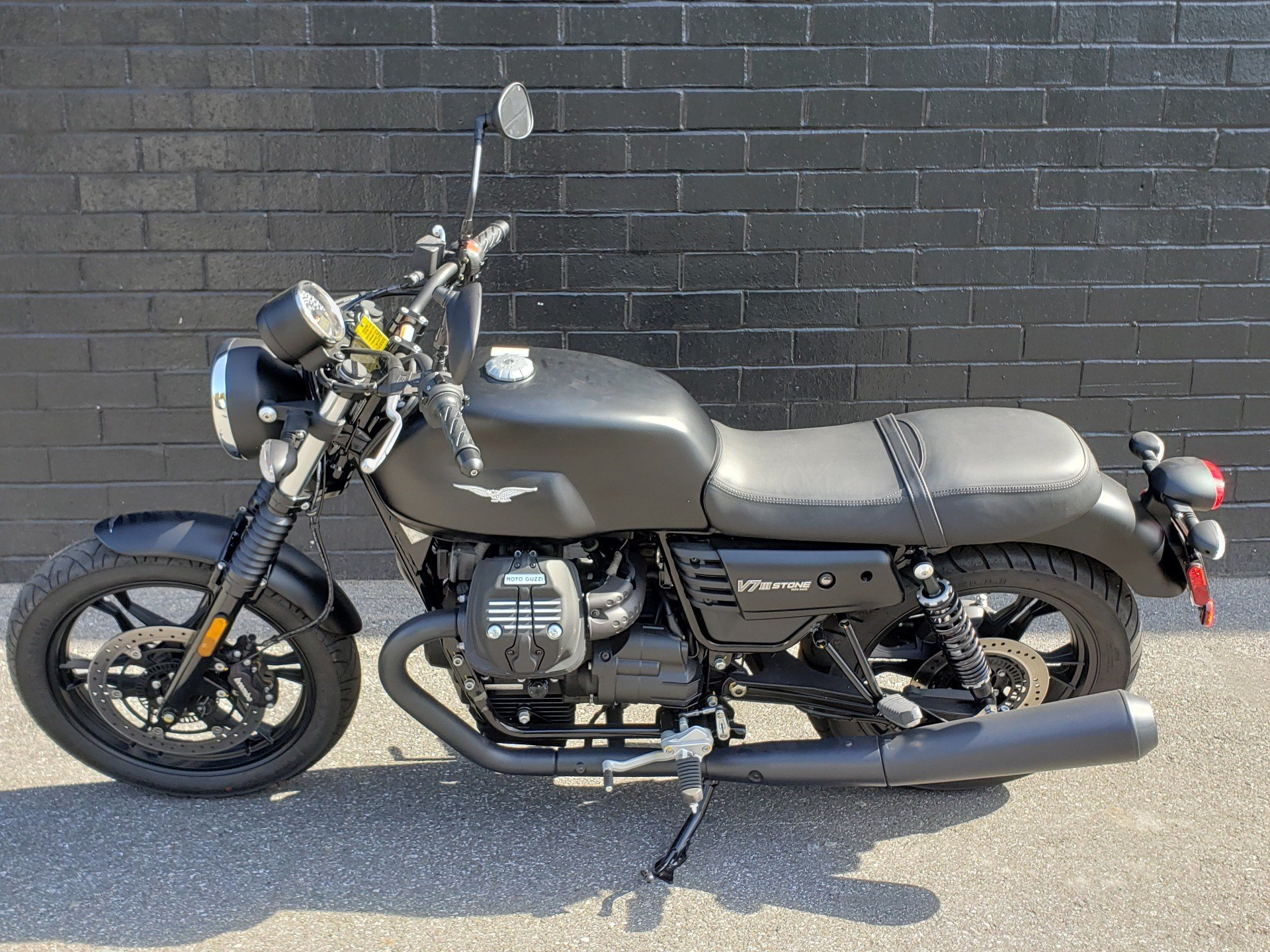 2019 Moto Guzzi V7III STONE in San Jose, California - Photo 8