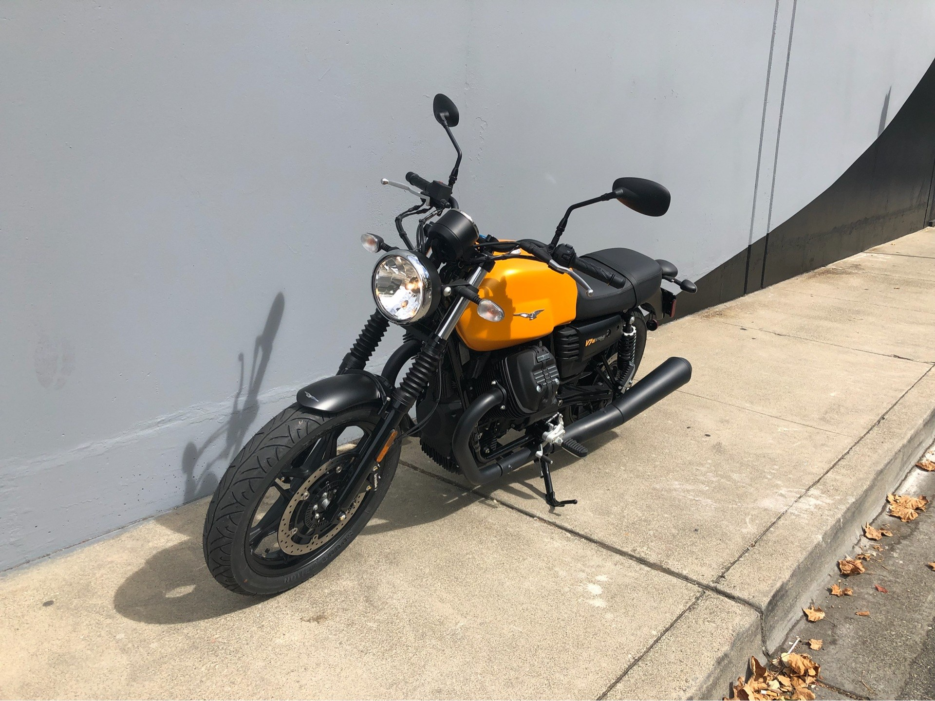 2018 Moto Guzzi V7 III Stone in San Jose, California - Photo 3