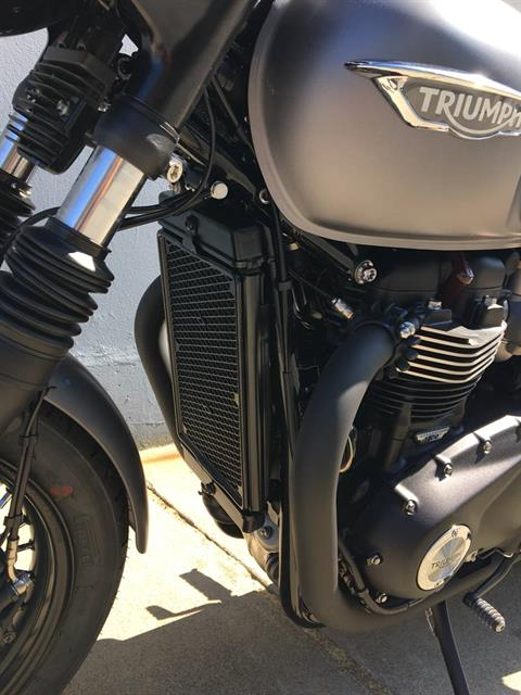 2018 Triumph Bonneville T120 Black in San Jose, California - Photo 7
