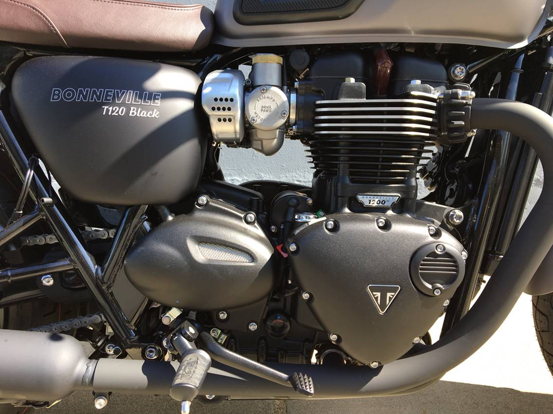 2018 Triumph Bonneville T120 Black in San Jose, California - Photo 10