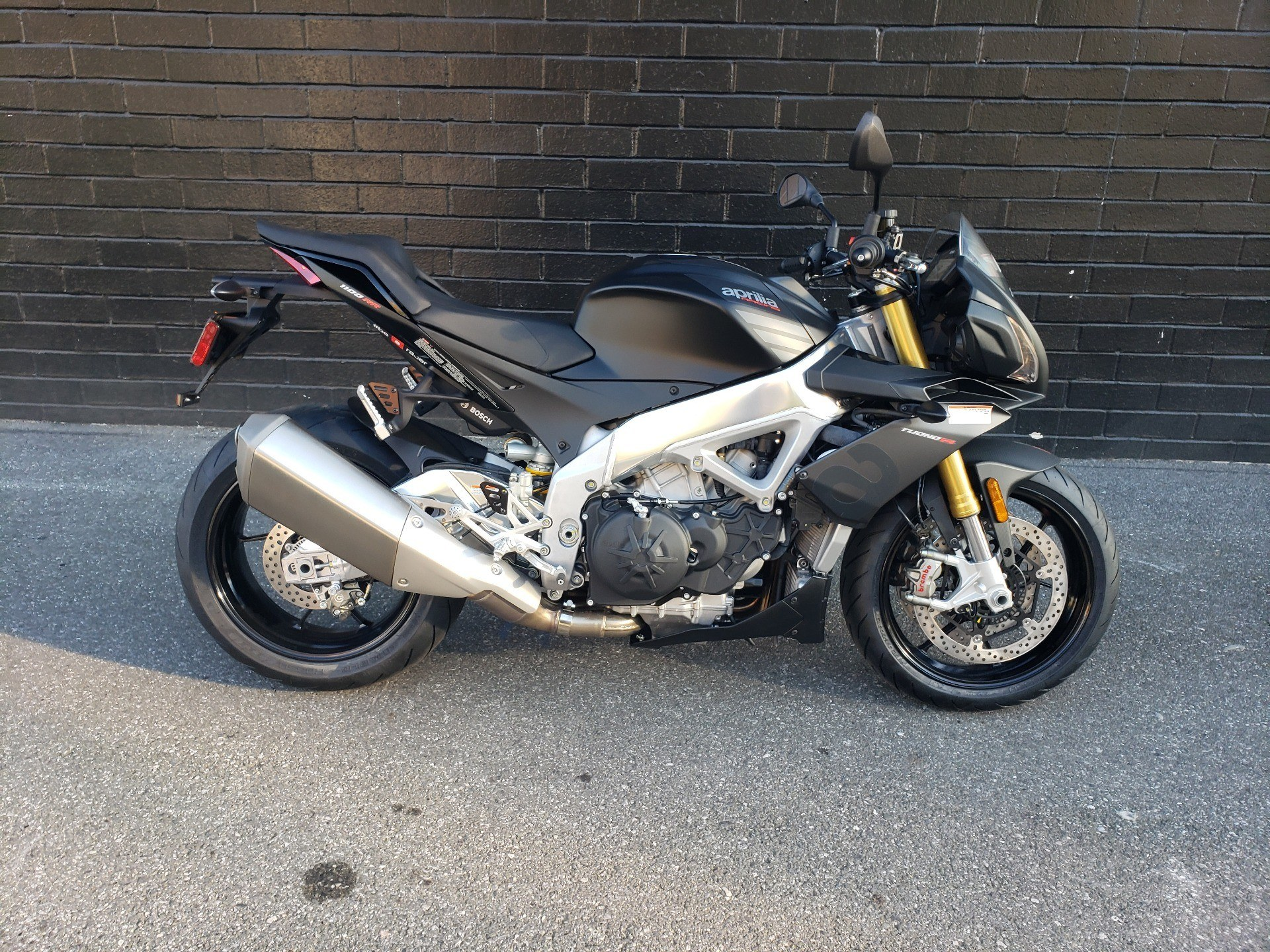 New 2020 Aprilia Tuono V4 1100 Rr Abs Motorcycles In San Jose Ca Stock Number Aa0059