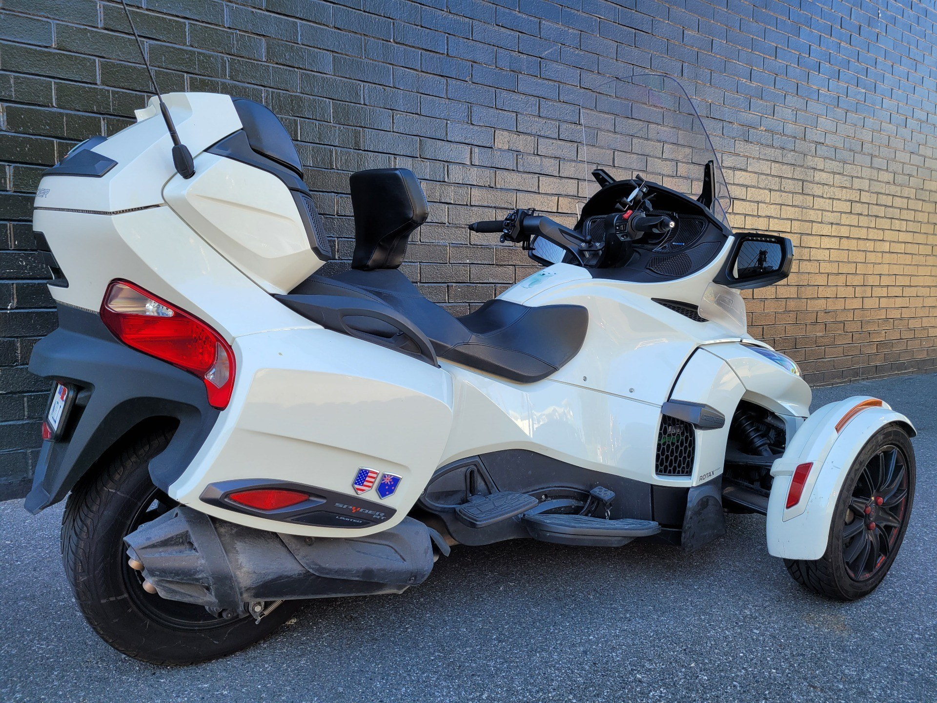 2018 Can-Am Spyder RT Limited in San Jose, California - Photo 3
