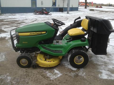 2009 John Deere X300 in Hutchinson, Minnesota - Photo 1