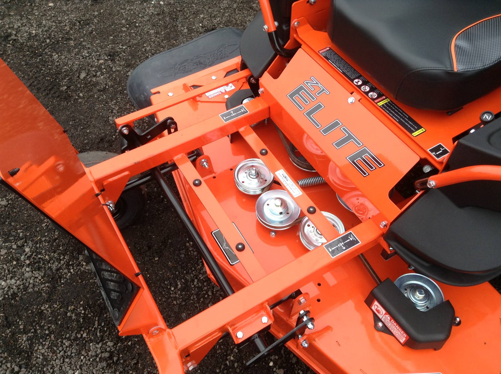 2018 Bad Boy Mowers ZT ELITE 48 in Hutchinson, Minnesota - Photo 13