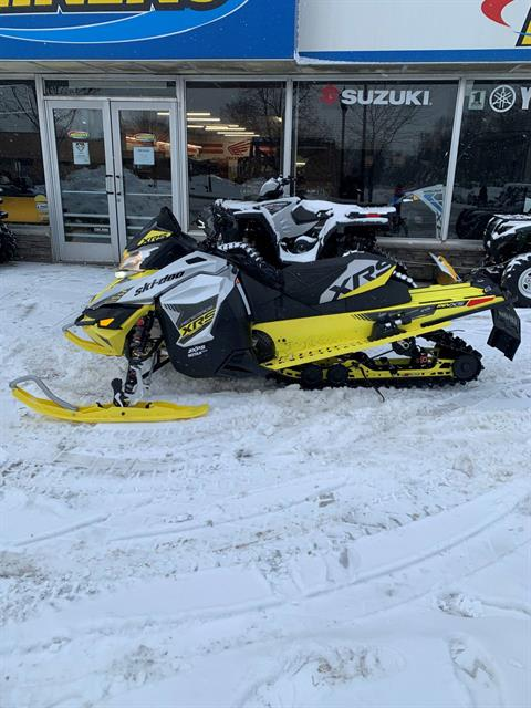 "2016 Ski-Doo Renegade X-RS 800R E-TEC ES w/ Adj. pkg, Ripsaw 1.5"" in Osseo, Minnesota - Photo 6"