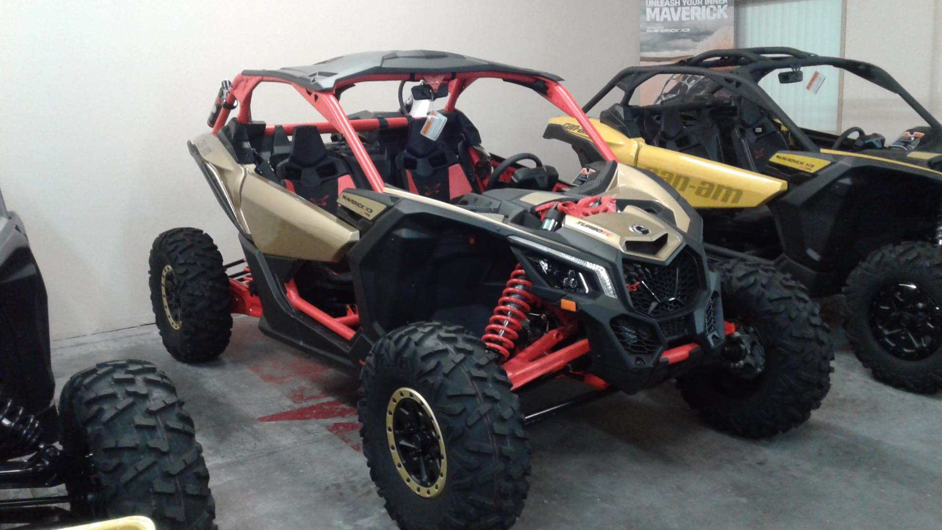 2017 Can-Am Maverick X3 X rs Turbo R in Bakersfield, California