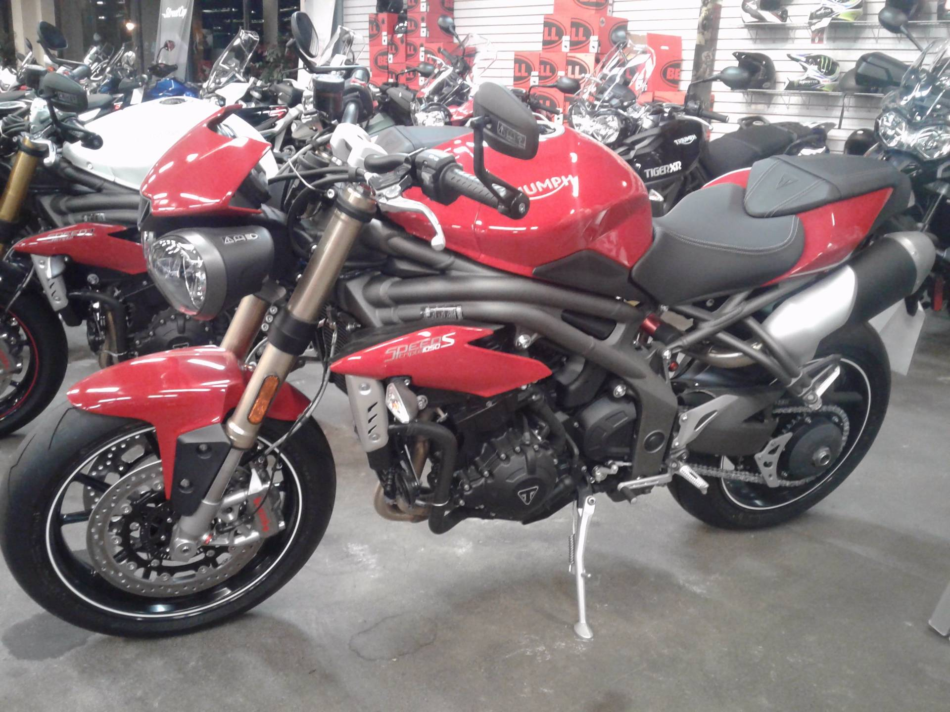 2016 Triumph Speed Triple S ABS in Bakersfield, California - Photo 2