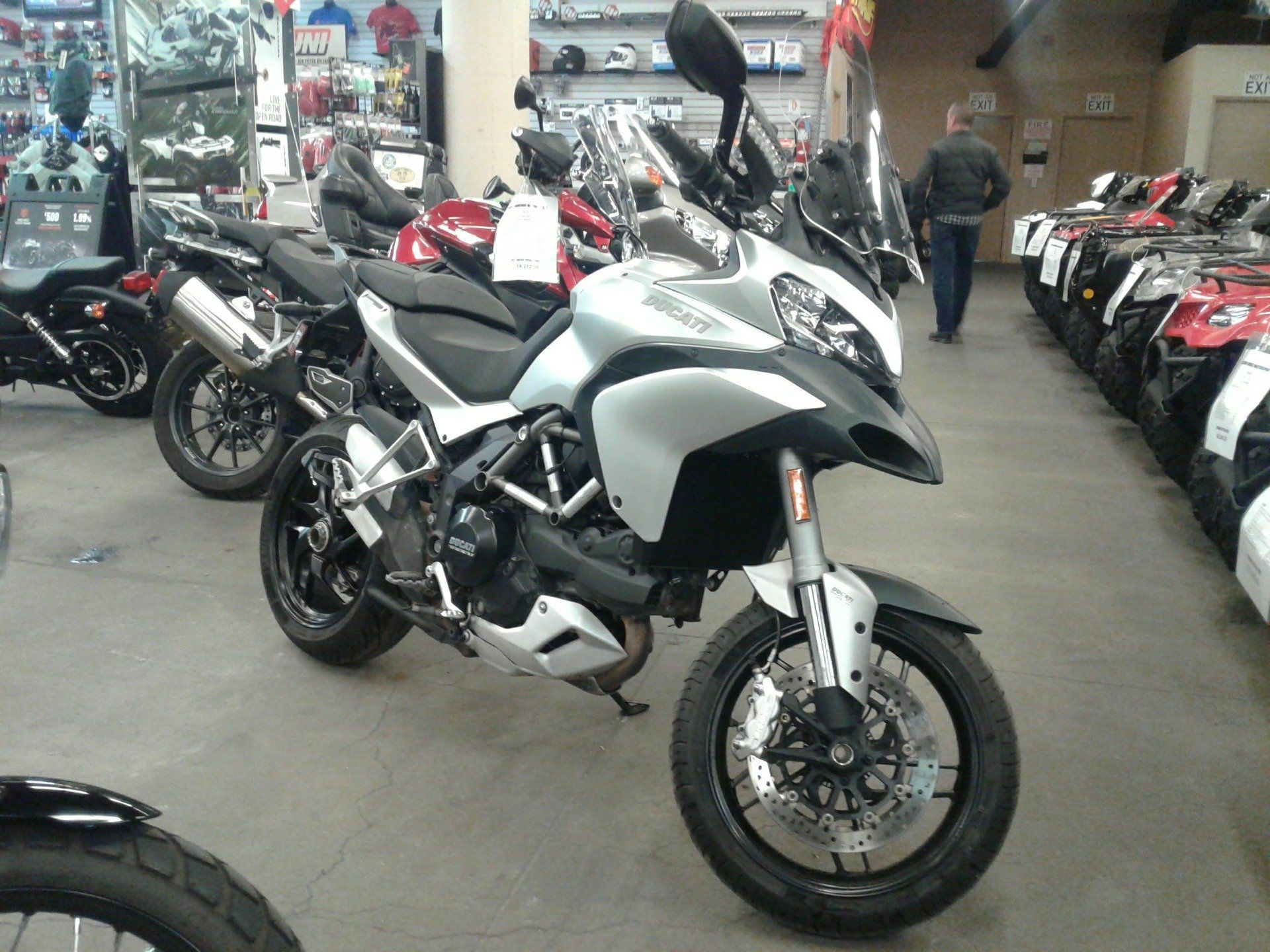 2014 Ducati Multistrada 1200 S Touring in Bakersfield, California - Photo 3
