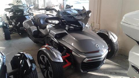 2016 Can-Am Spyder F3-T SE6 w/ Audio System in Bakersfield, California - Photo 1