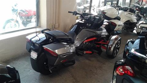 2016 Can-Am Spyder F3-T SE6 w/ Audio System in Bakersfield, California - Photo 3