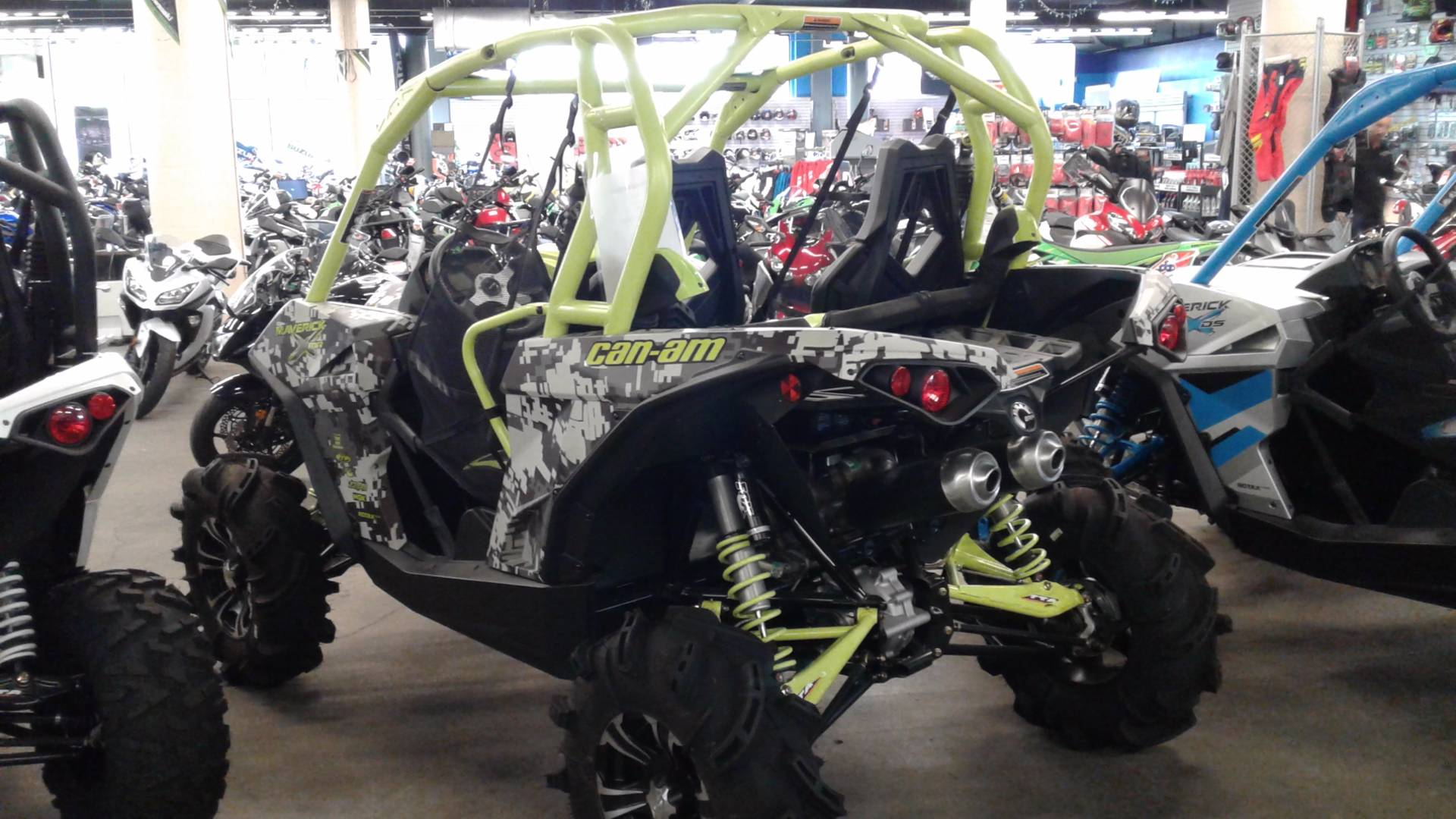 2015 Can-Am Maverick™ X® mr DPS™ 1000R in Bakersfield, California