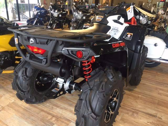 2017 Can-Am OUTLANDER X MR  570 V-TWIN in Hobe Sound, Florida