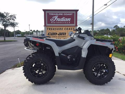 2017 Can-Am Outlander DPS 1000R in Hobe Sound, Florida