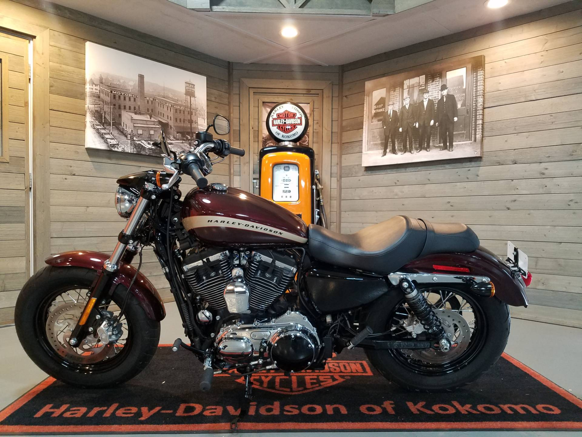2018 Harley-Davidson 1200 Custom in Kokomo, Indiana - Photo 6