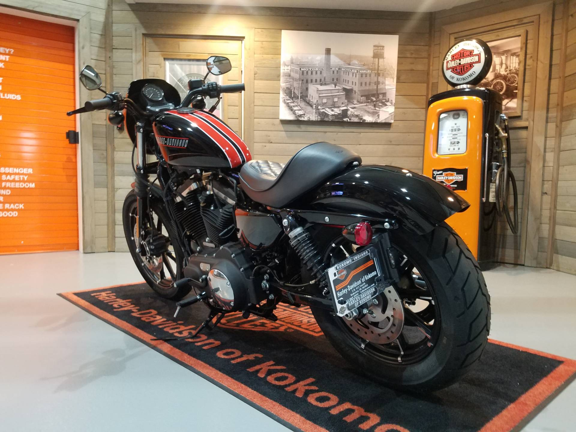 2019 Harley-Davidson Iron 883™ in Kokomo, Indiana - Photo 9