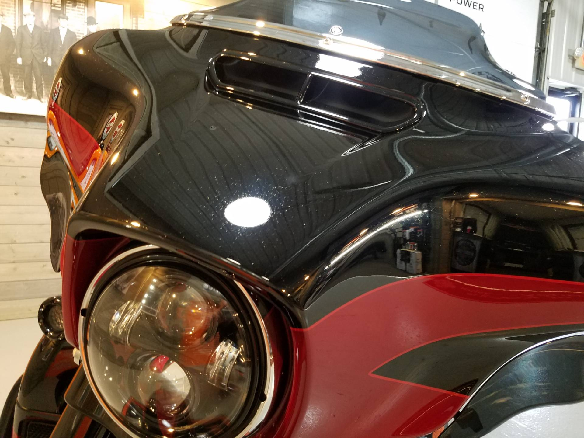 2017 Harley-Davidson CVO™ Street Glide® in Kokomo, Indiana - Photo 11