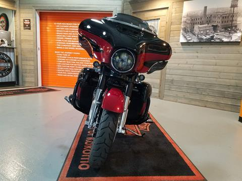 2017 Harley-Davidson CVO™ Street Glide® in Kokomo, Indiana - Photo 10