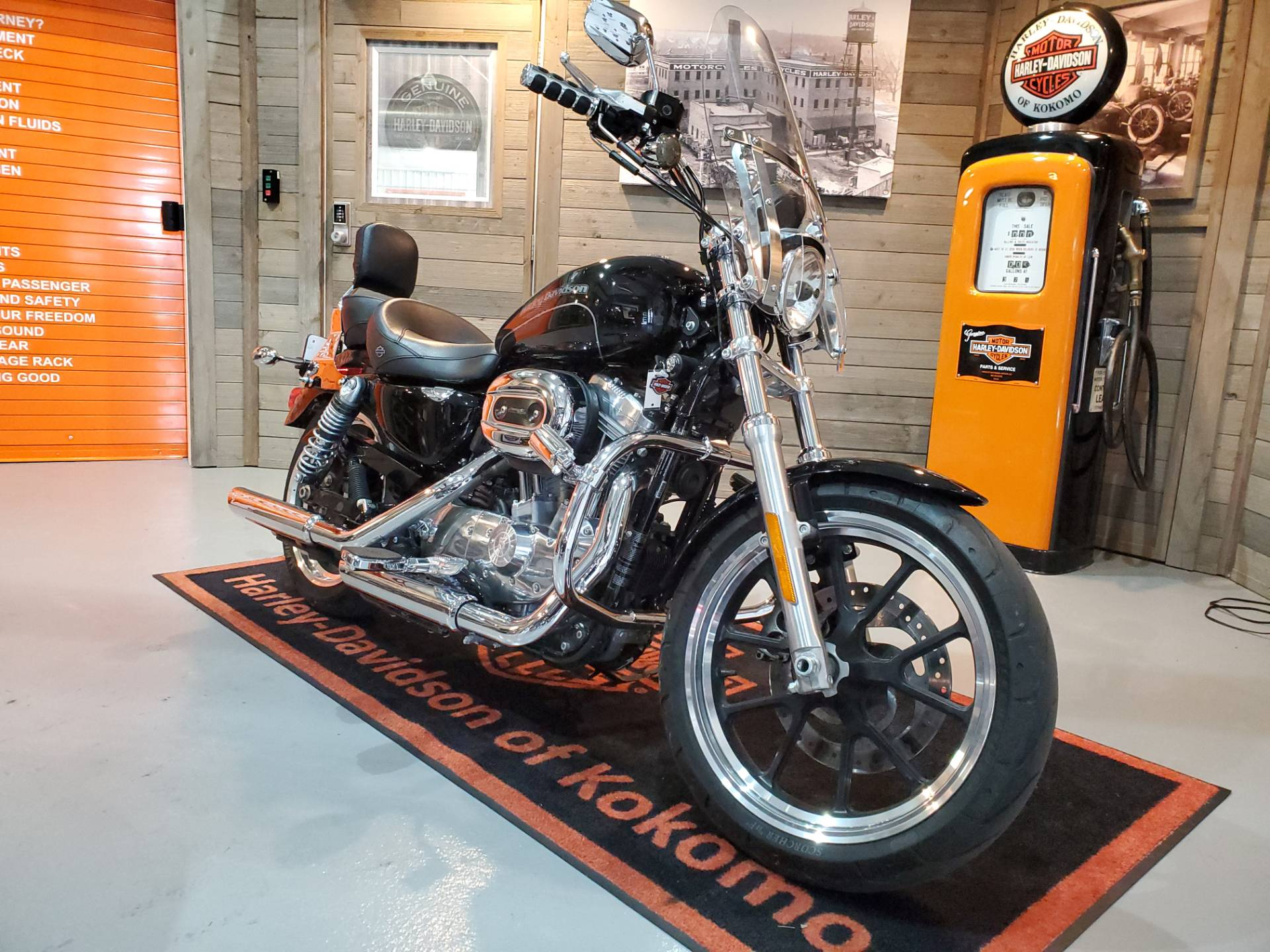2017 Harley-Davidson Superlow® in Kokomo, Indiana - Photo 2