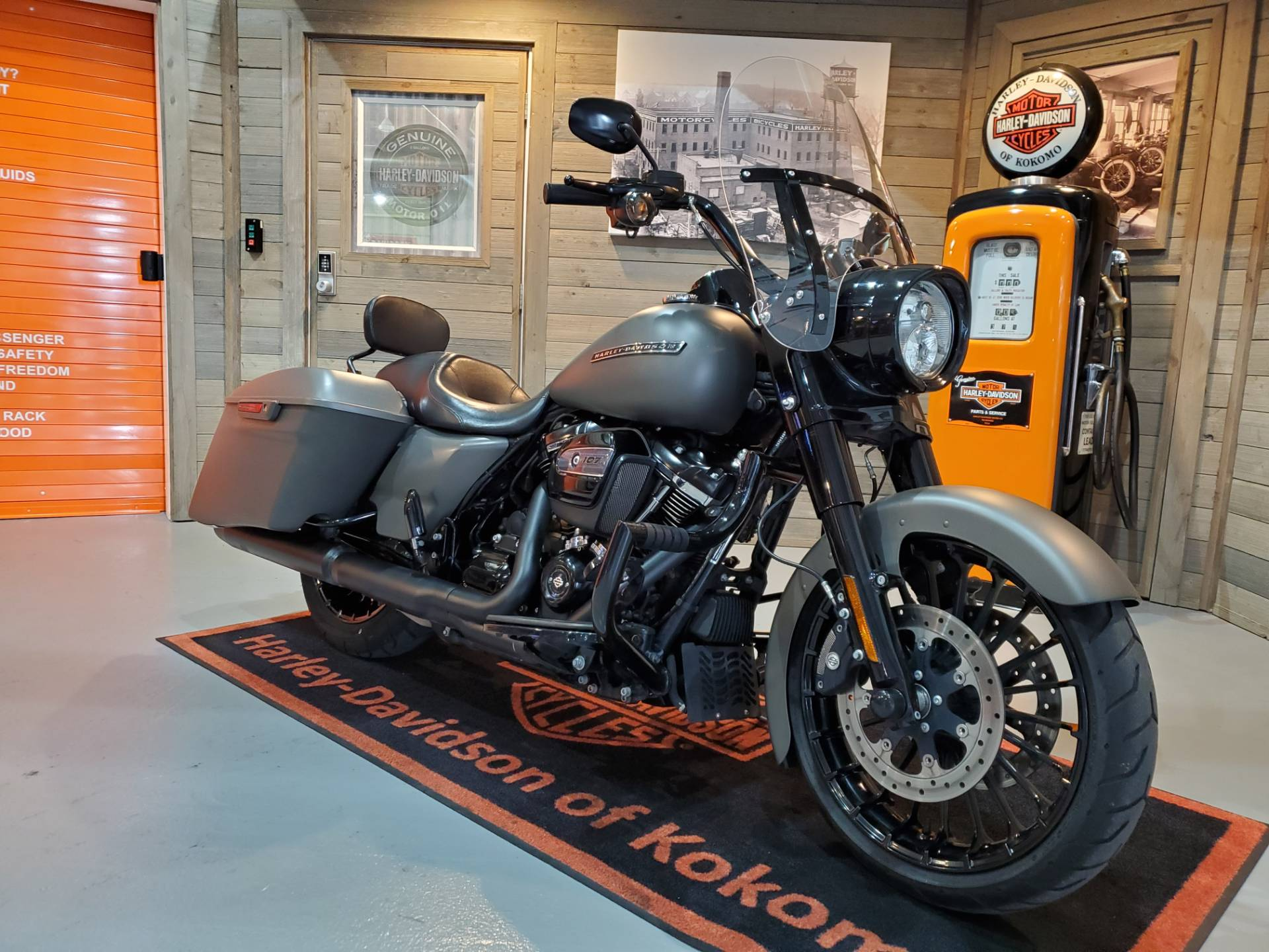 2018 Harley-Davidson Road King® Special in Kokomo, Indiana - Photo 2
