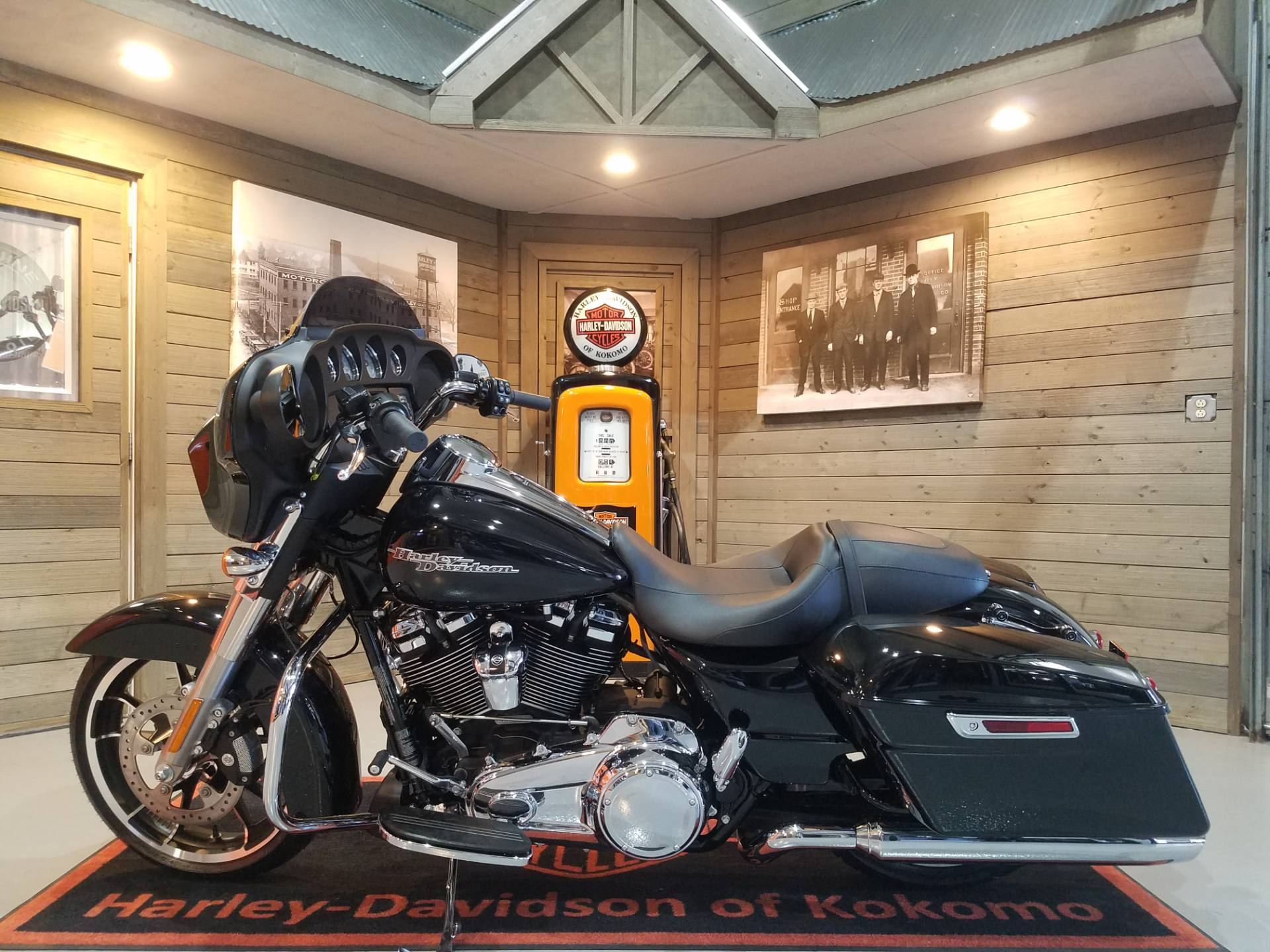 2020 Harley-Davidson Street Glide® in Kokomo, Indiana - Photo 7