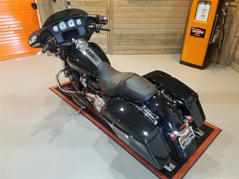2020 Harley-Davidson Street Glide® in Kokomo, Indiana - Photo 17