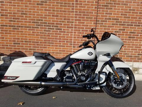 2020 Harley-Davidson CVO™ Road Glide® in Kokomo, Indiana - Photo 2