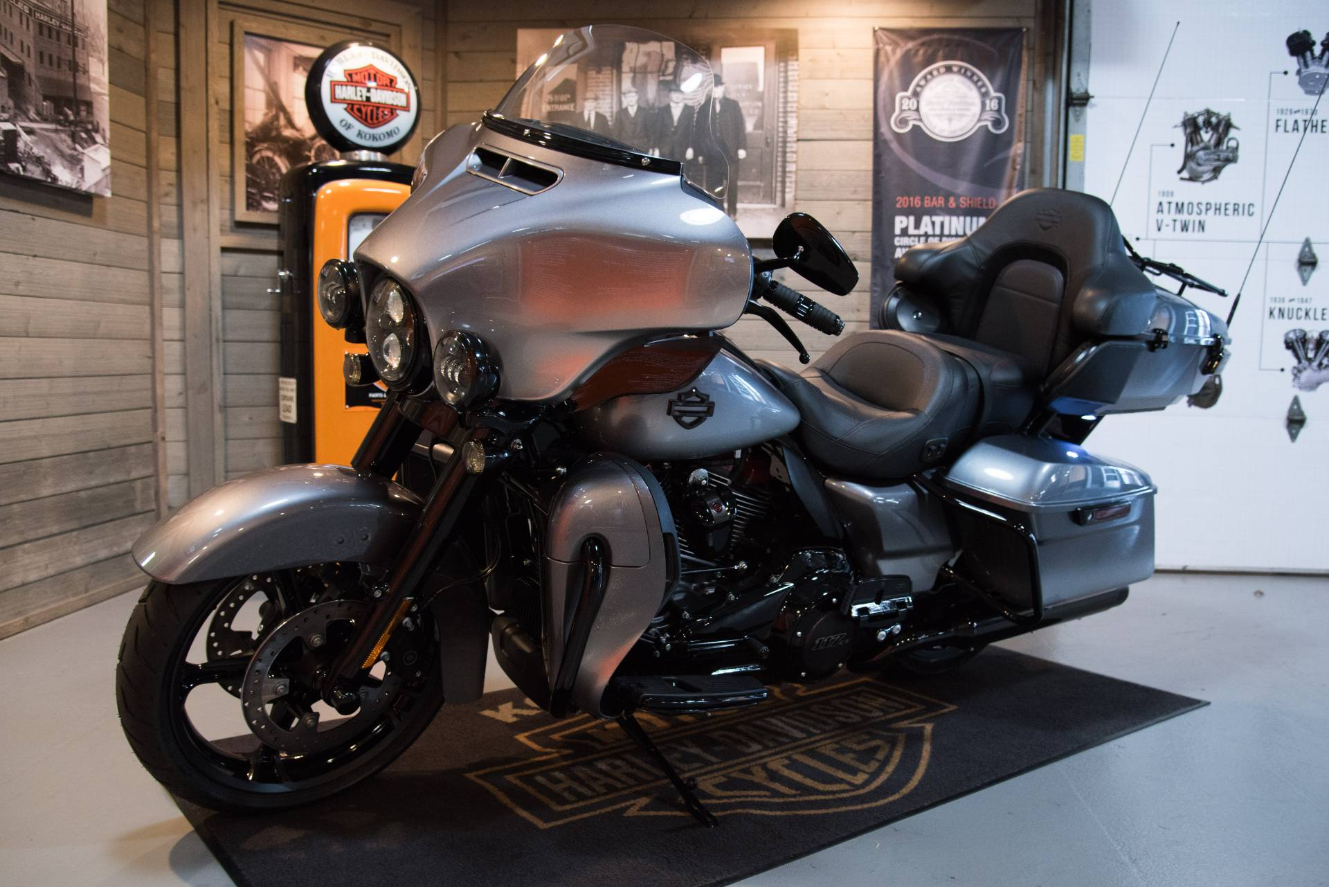 2019 Harley-Davidson CVO™ Limited in Kokomo, Indiana - Photo 8