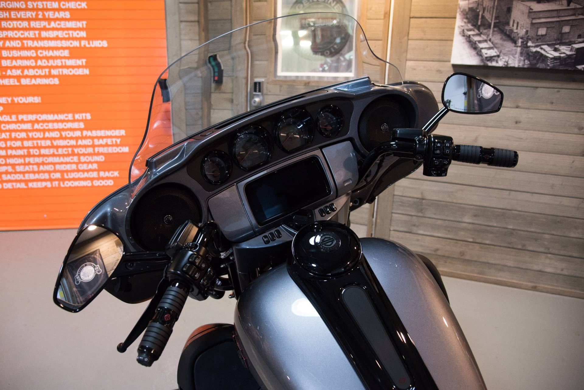 2019 Harley-Davidson CVO™ Limited in Kokomo, Indiana - Photo 11