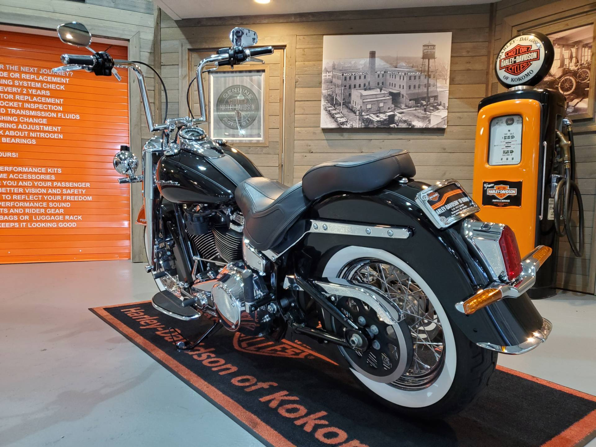 2018 Harley-Davidson Softail® Deluxe 107 in Kokomo, Indiana - Photo 9