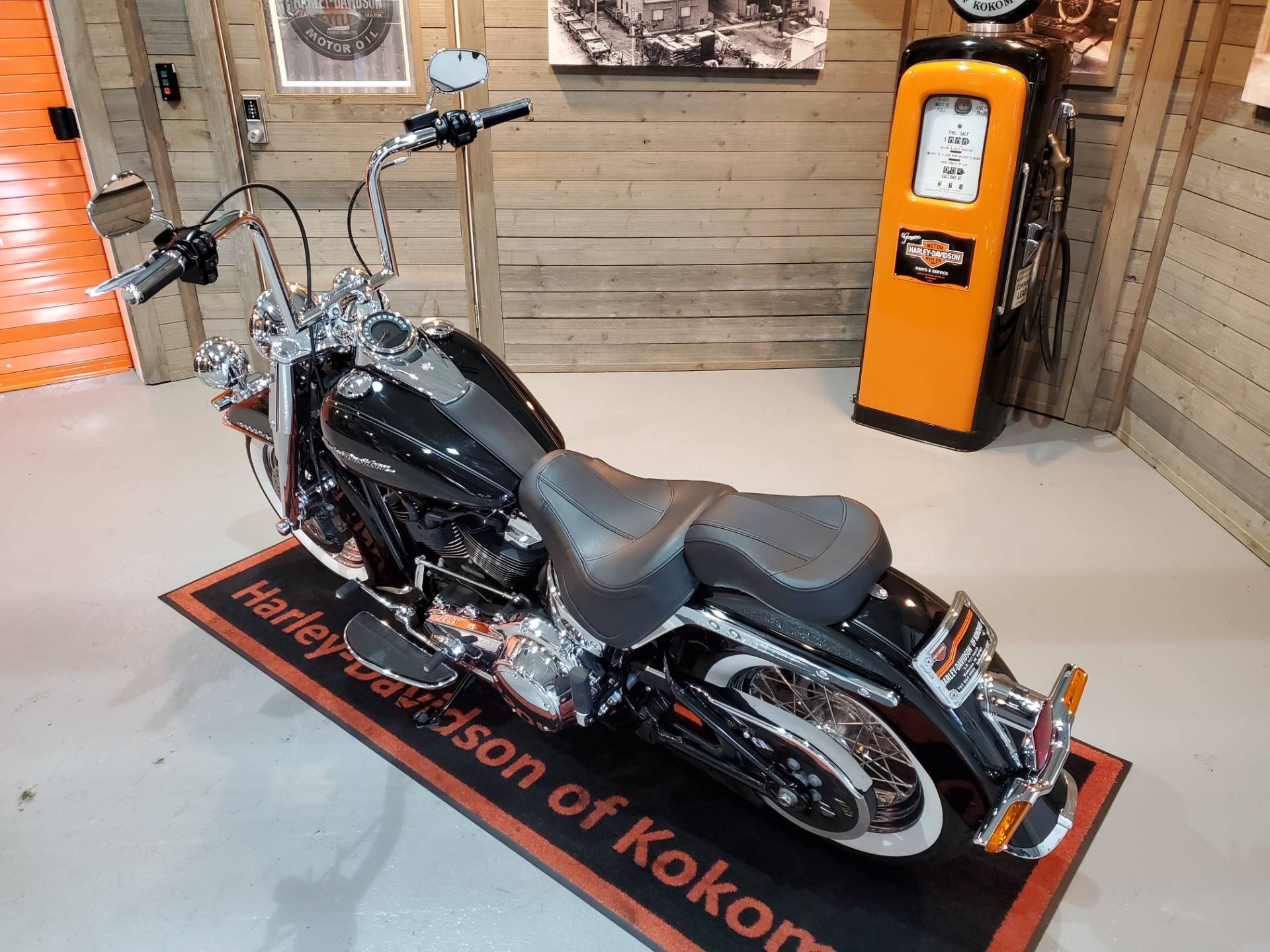 2018 Harley-Davidson Softail® Deluxe 107 in Kokomo, Indiana - Photo 15