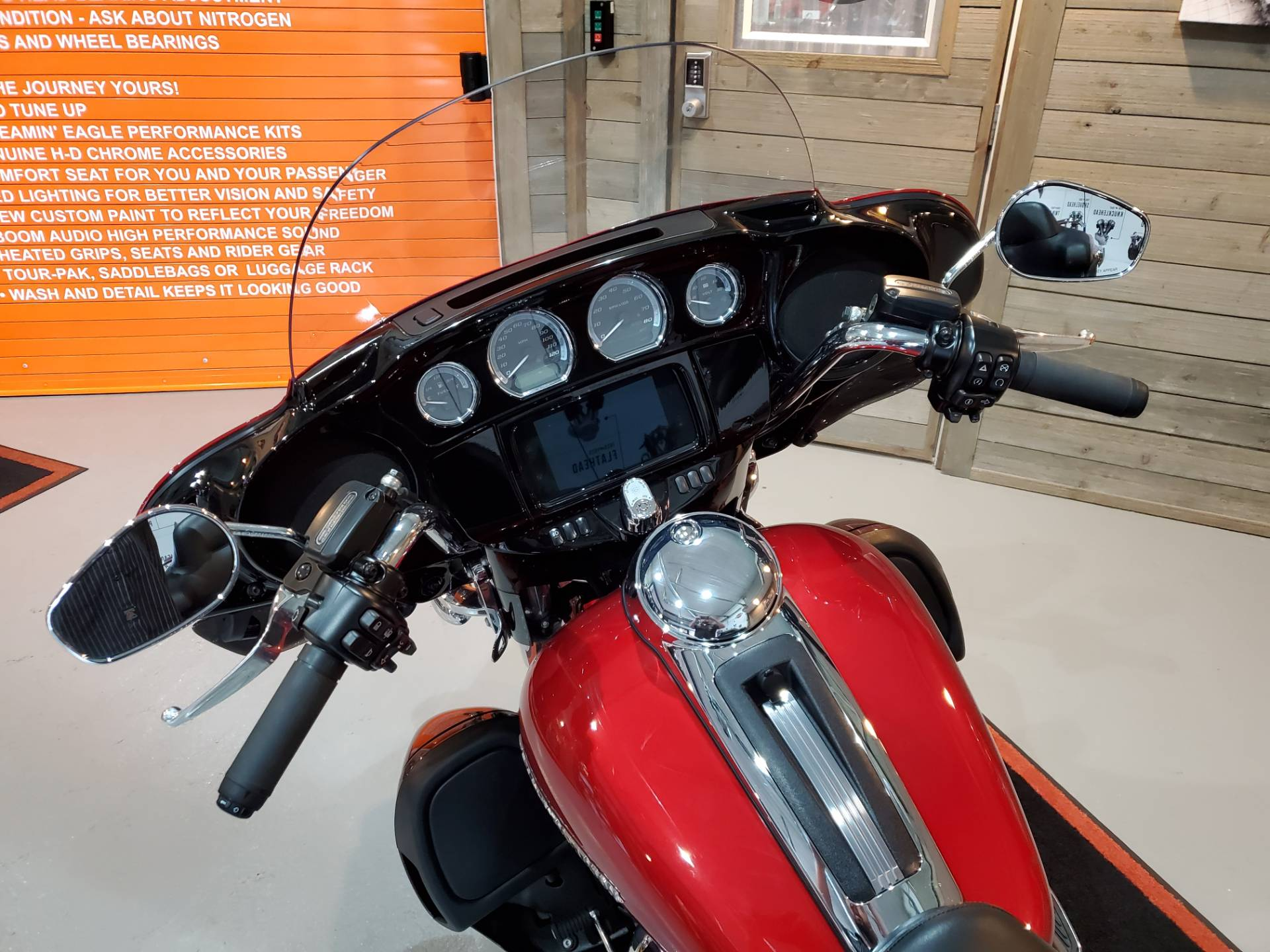 2019 Harley-Davidson Ultra Limited in Kokomo, Indiana - Photo 12