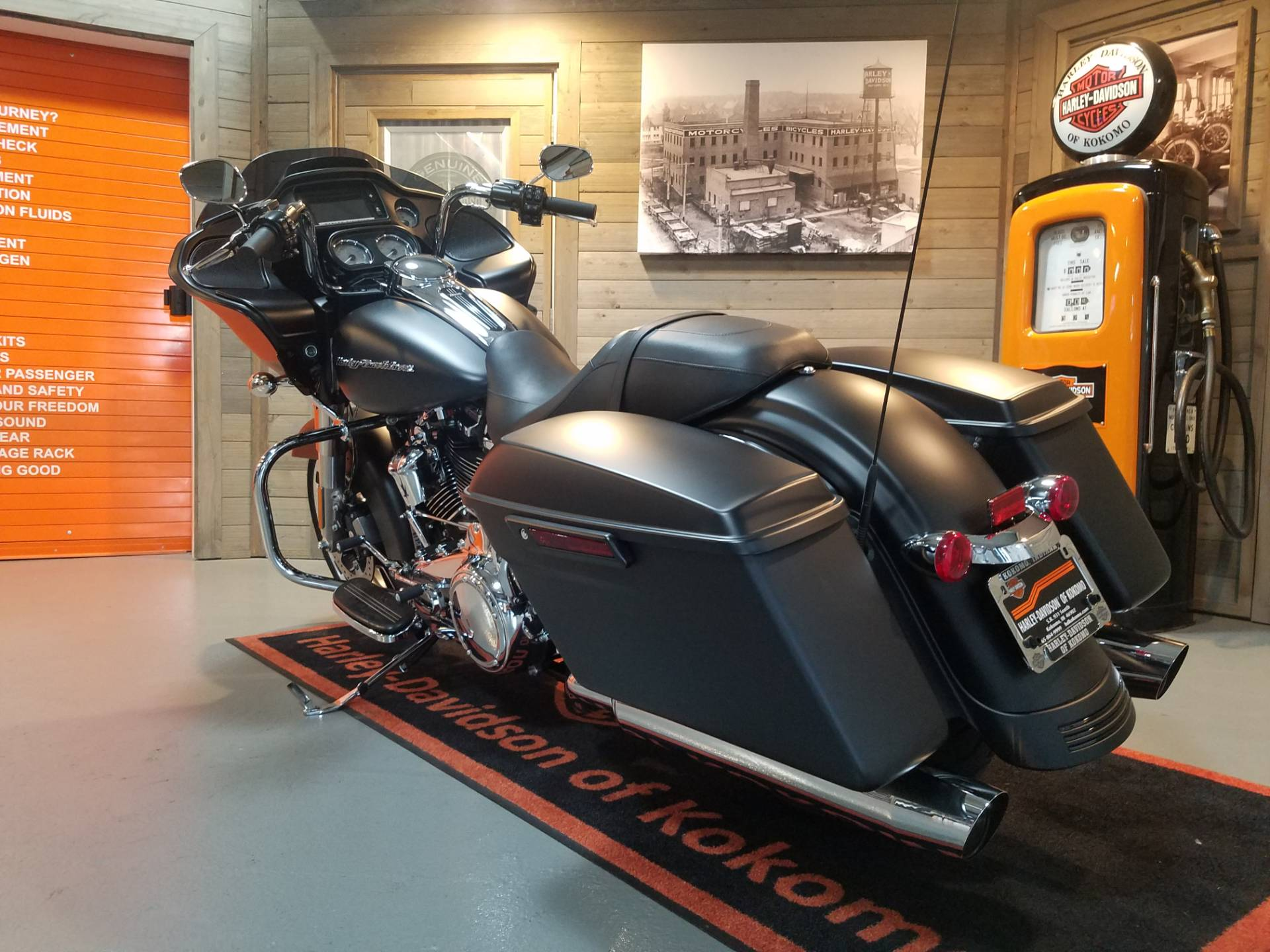 2018 Harley-Davidson Road Glide® in Kokomo, Indiana - Photo 9