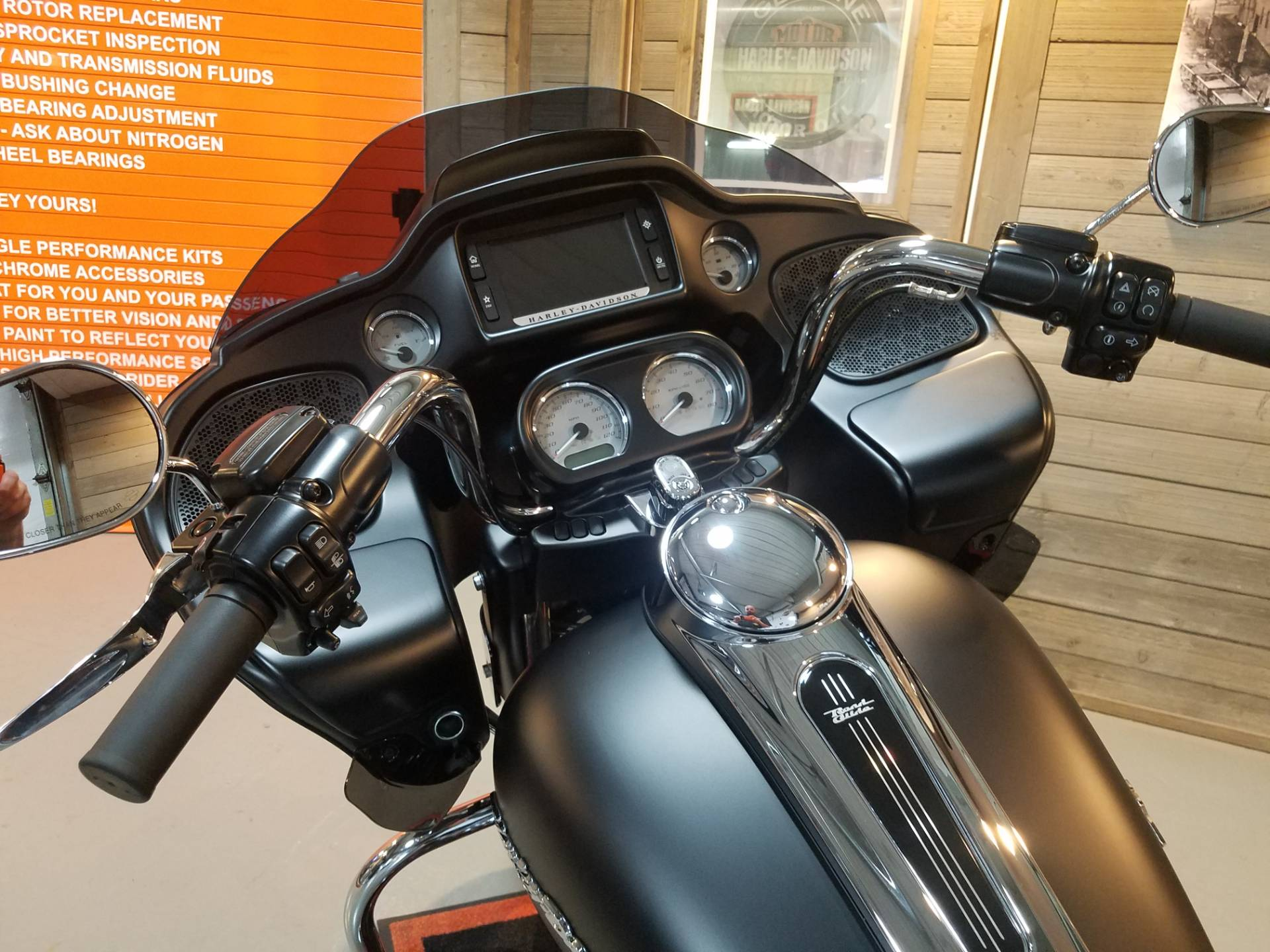 2018 Harley-Davidson Road Glide® in Kokomo, Indiana - Photo 12