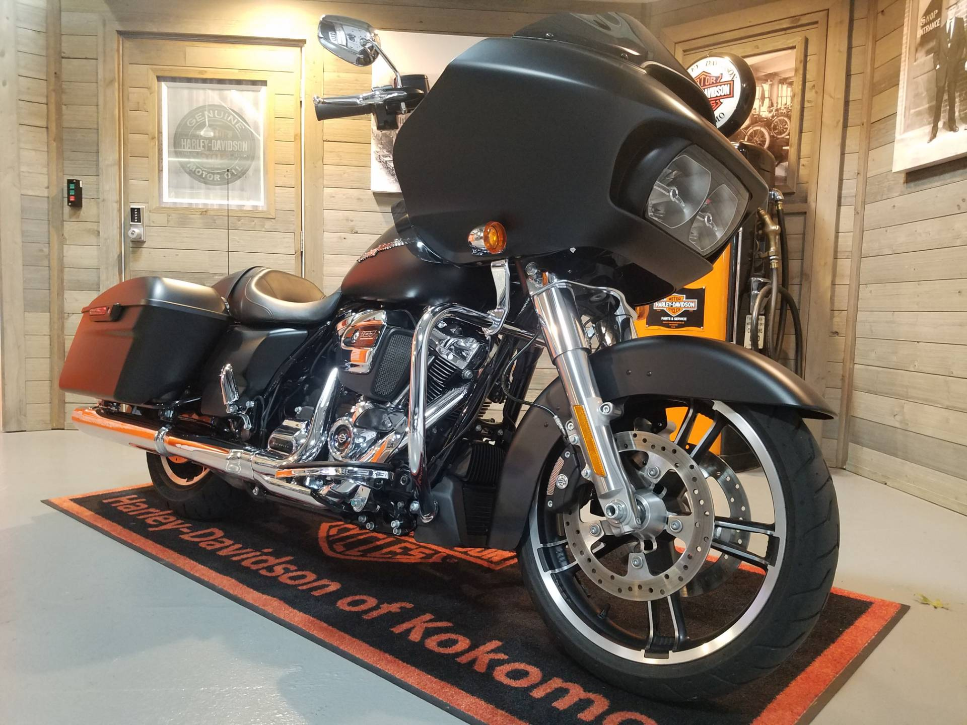 2018 Harley-Davidson Road Glide® in Kokomo, Indiana - Photo 2