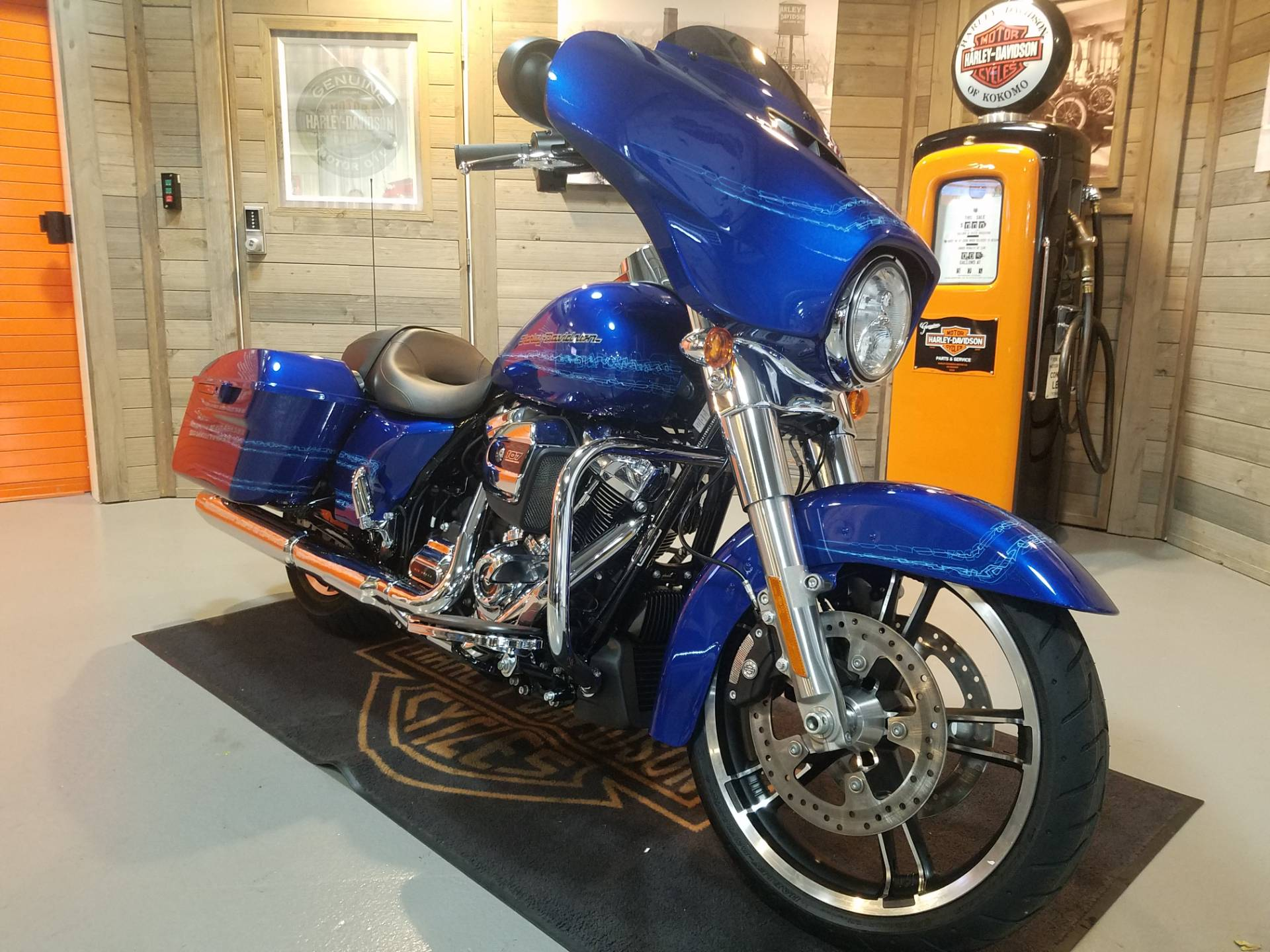 2019 Harley-Davidson Street Glide FLHX in Kokomo, Indiana - Photo 2