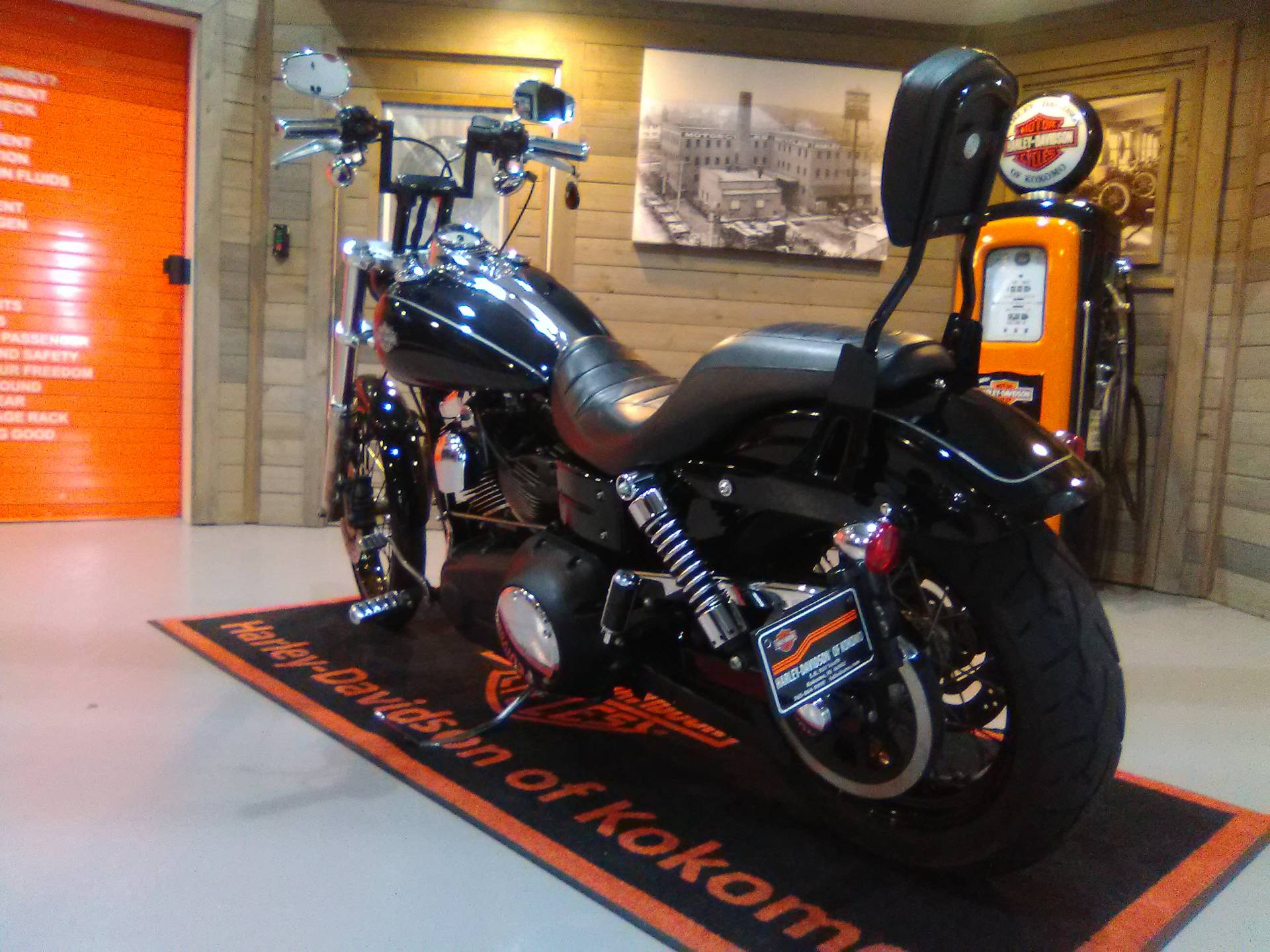 2010 Harley-Davidson Dyna® Wide Glide® in Kokomo, Indiana - Photo 10