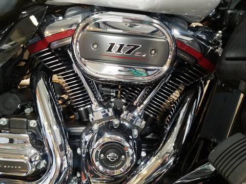 2020 Harley-Davidson CVO™ Tri Glide® in Kokomo, Indiana - Photo 8