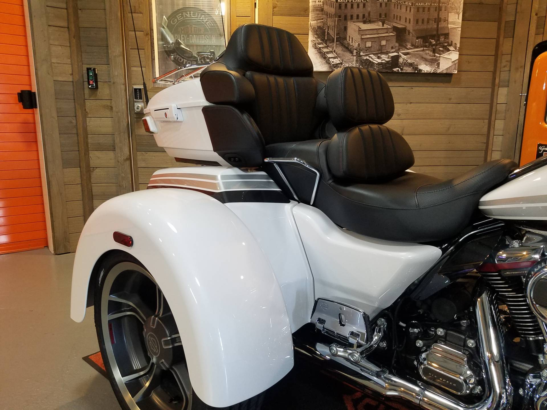 2020 Harley-Davidson CVO™ Tri Glide® in Kokomo, Indiana - Photo 23