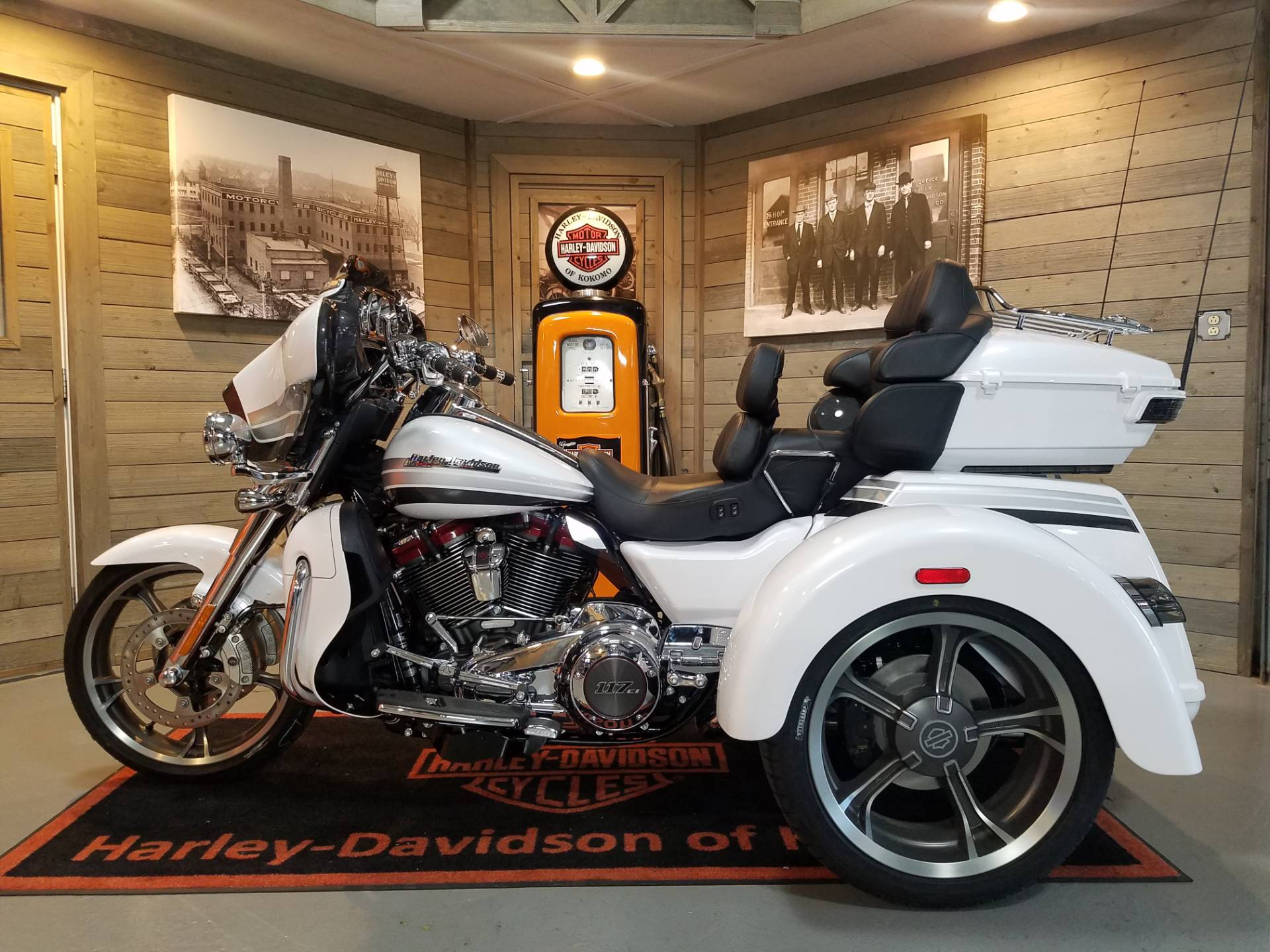 2020 Harley-Davidson CVO™ Tri Glide® in Kokomo, Indiana - Photo 10
