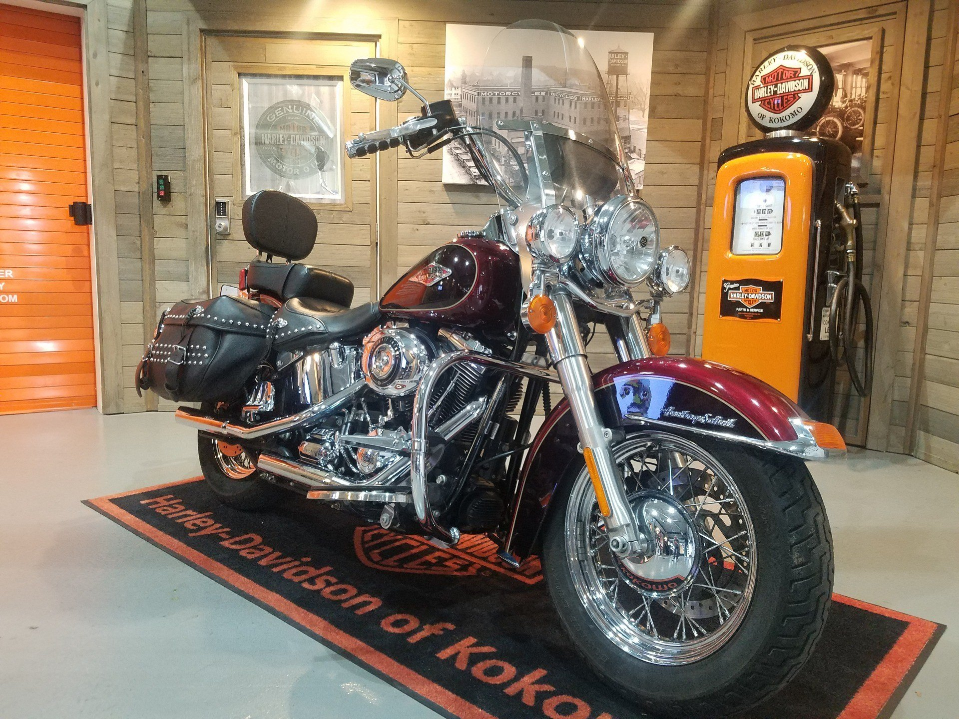 2015 Harley-Davidson Heritage Softail® Classic in Kokomo, Indiana - Photo 2