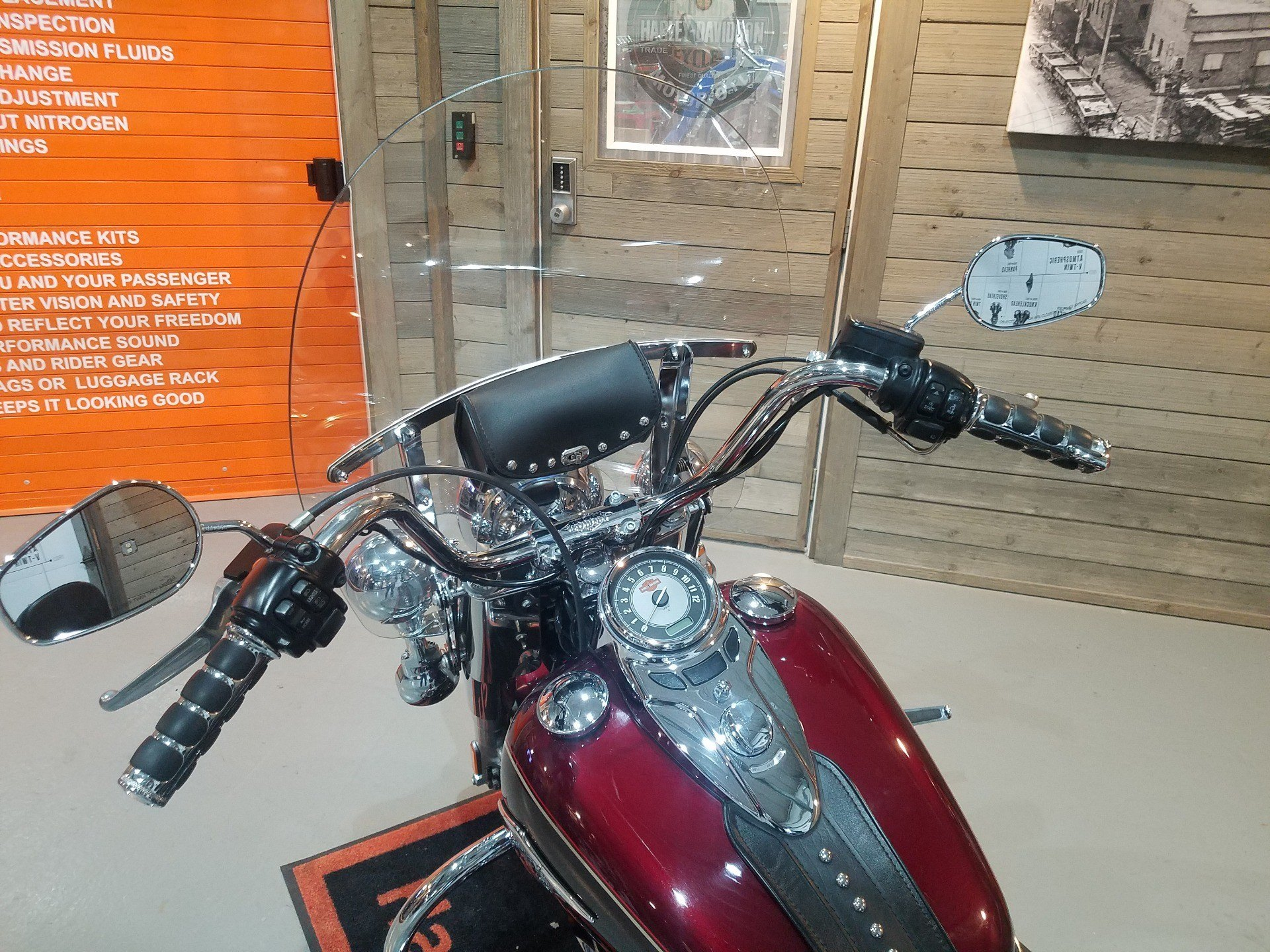 2015 Harley-Davidson Heritage Softail® Classic in Kokomo, Indiana - Photo 10