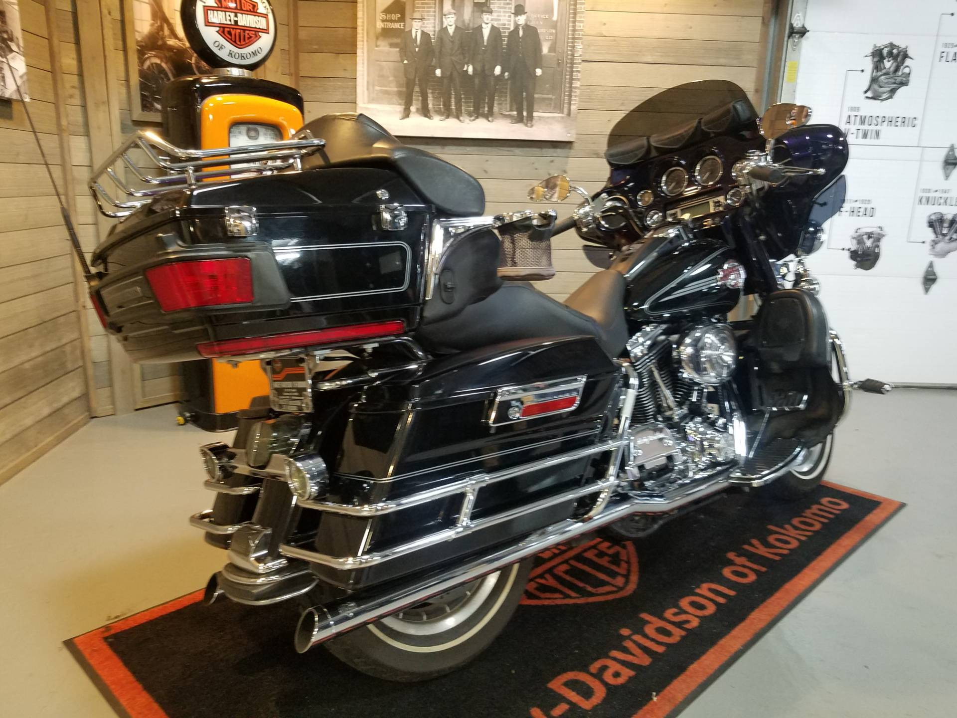 2006 Harley-Davidson Ultra Classic® Electra Glide® in Kokomo, Indiana - Photo 3