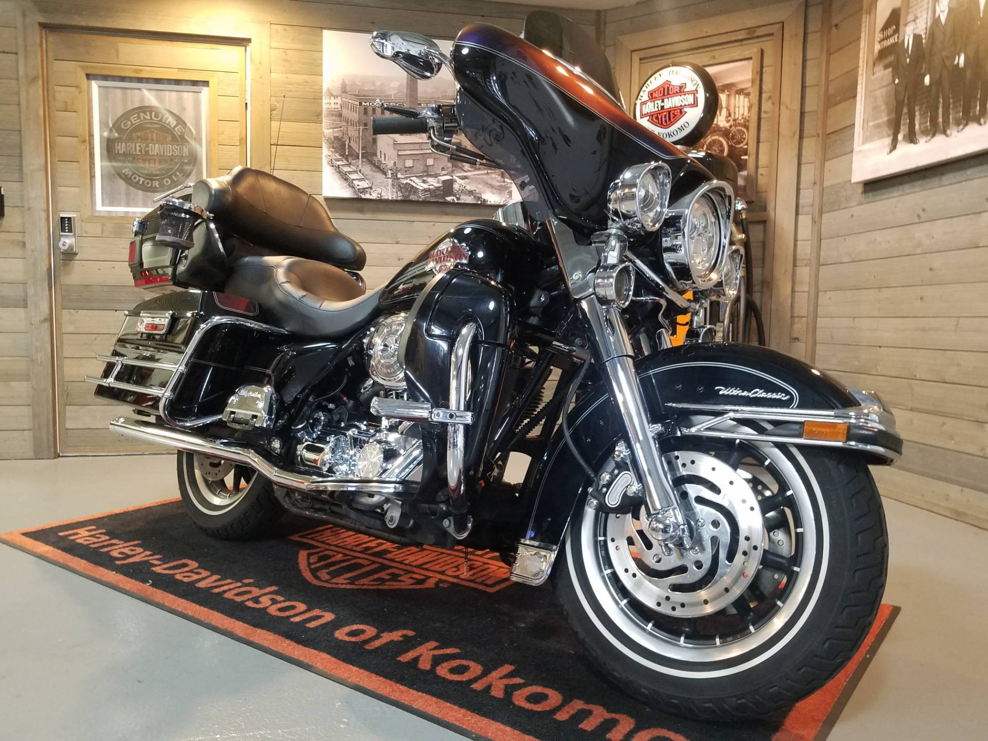2006 Harley-Davidson Ultra Classic® Electra Glide® in Kokomo, Indiana - Photo 2
