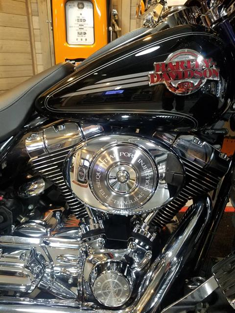 2006 Harley-Davidson Ultra Classic® Electra Glide® in Kokomo, Indiana - Photo 5
