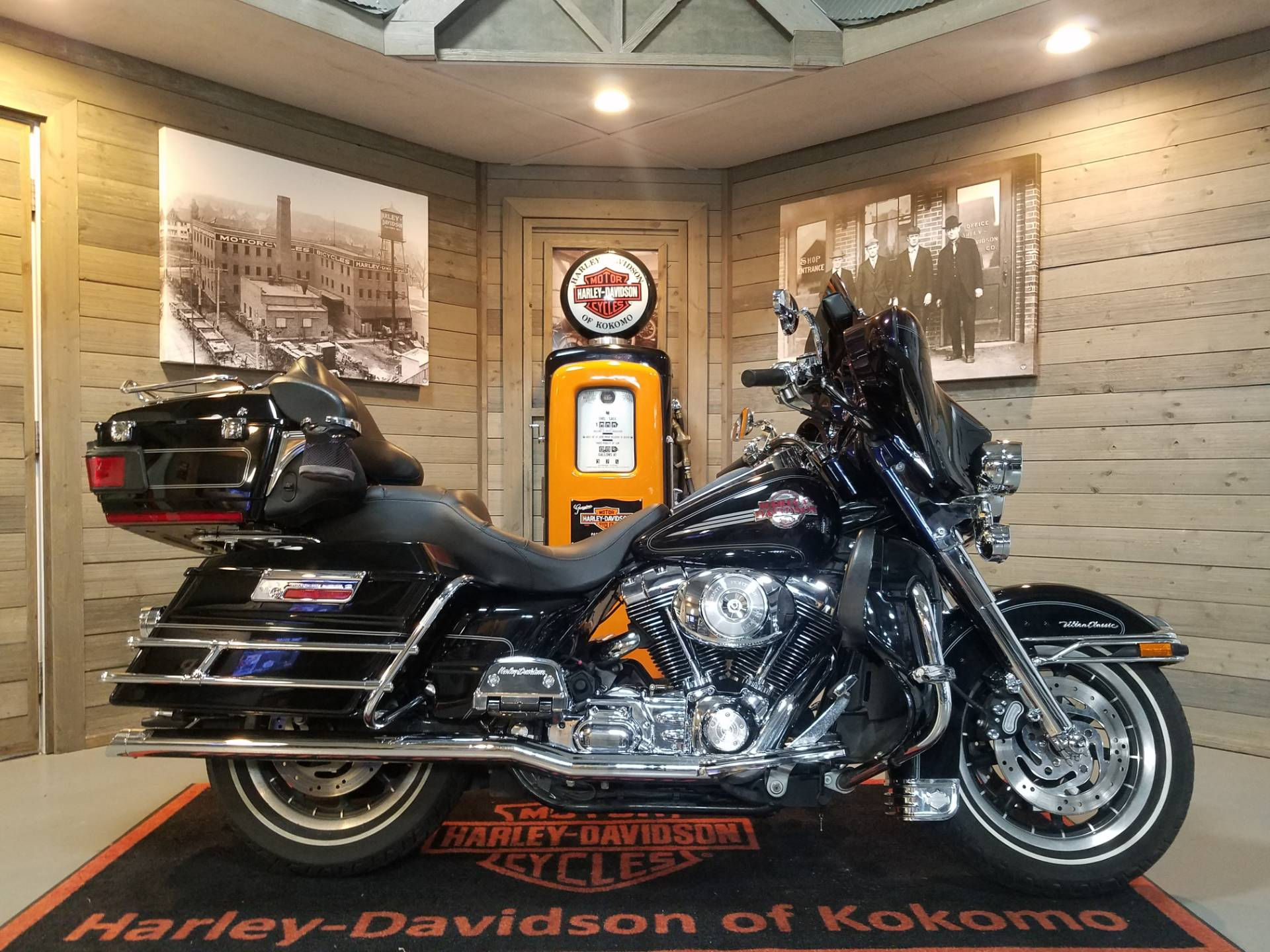 2006 Harley-Davidson Ultra Classic® Electra Glide® in Kokomo, Indiana - Photo 1