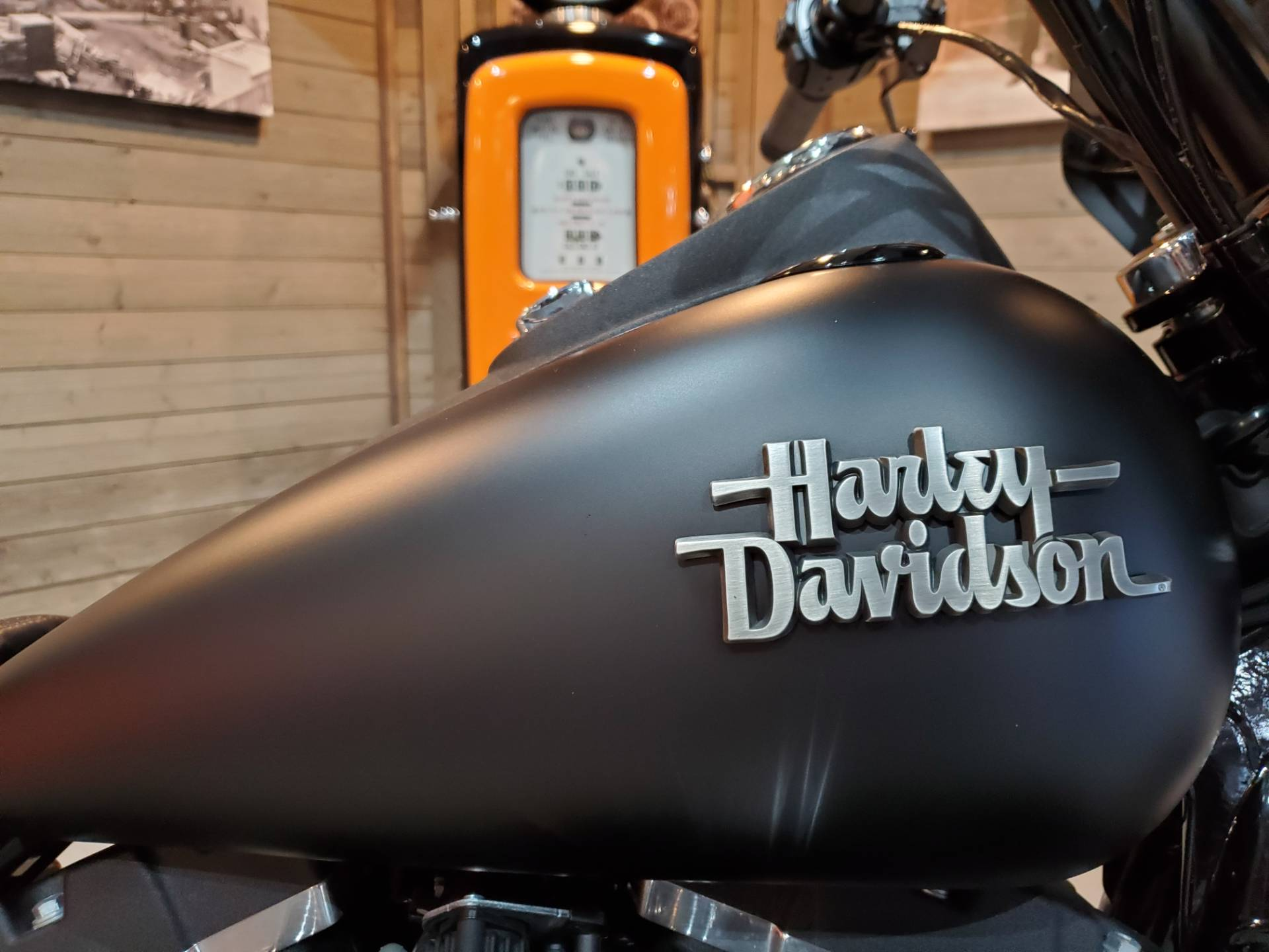 2017 Harley-Davidson Street Bob® in Kokomo, Indiana - Photo 4