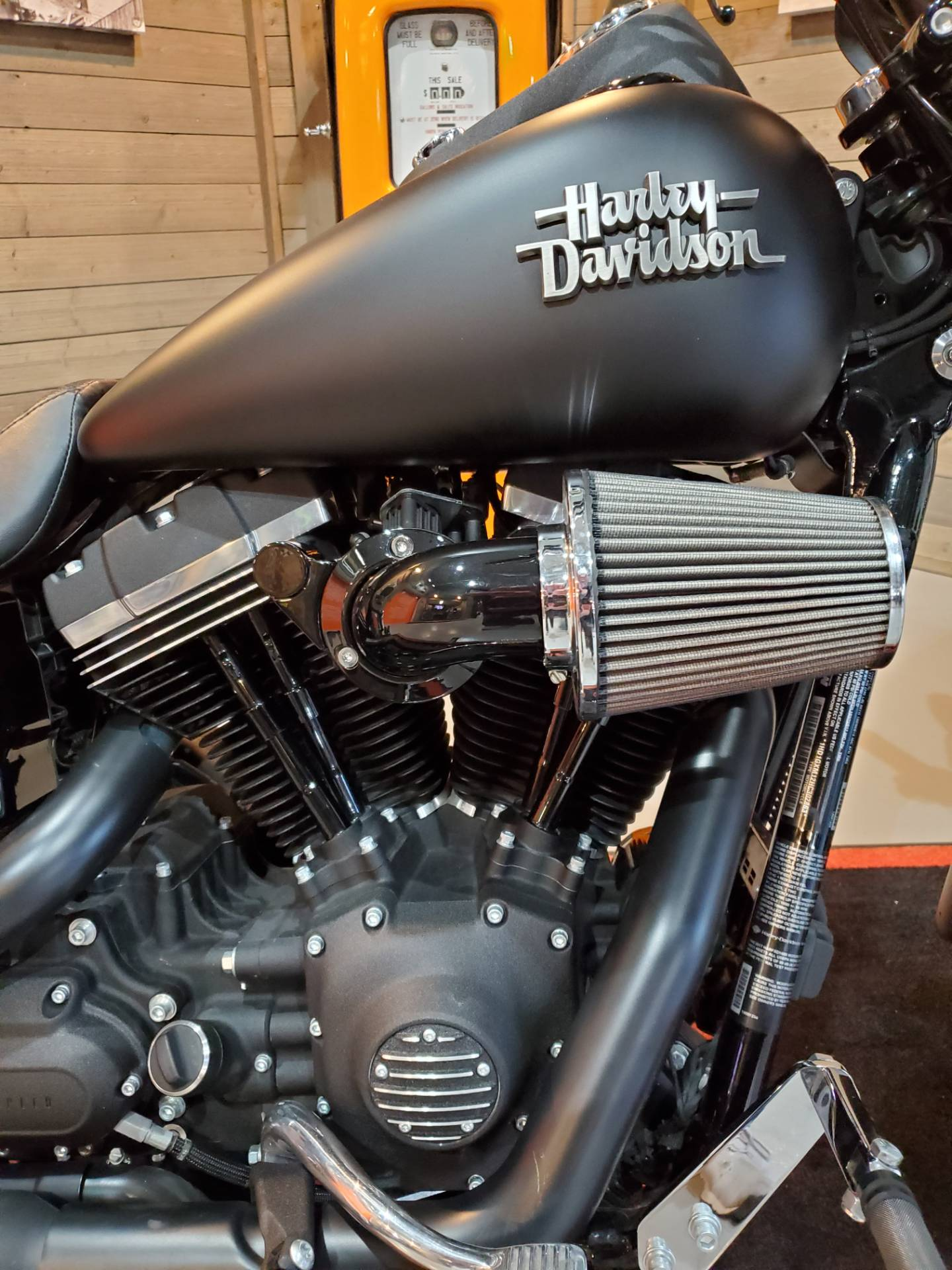 2017 Harley-Davidson Street Bob® in Kokomo, Indiana - Photo 6